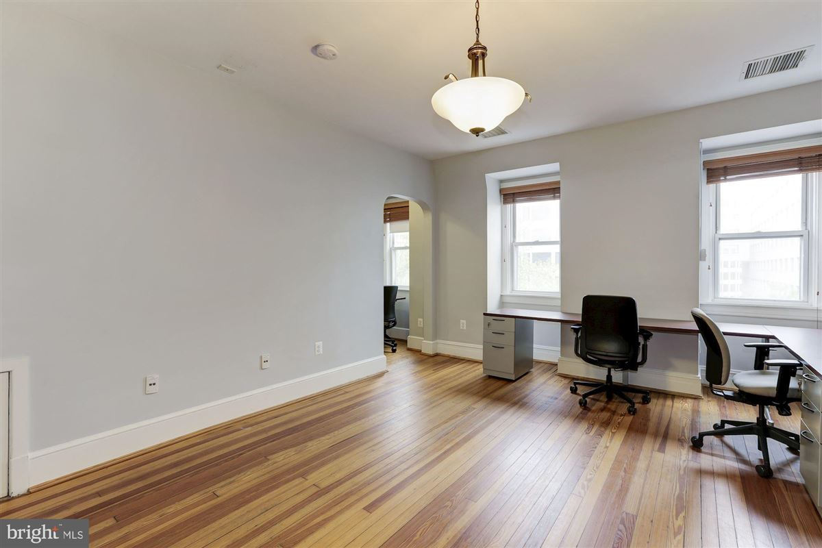 thoughtfully renovated 1906 Kalorama home luxury homes
