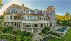 Luxury homes in Comfortable Opulence on the Potomac River