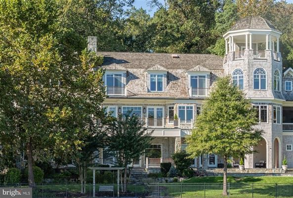 Comfortable Opulence on the Potomac River luxury real estate