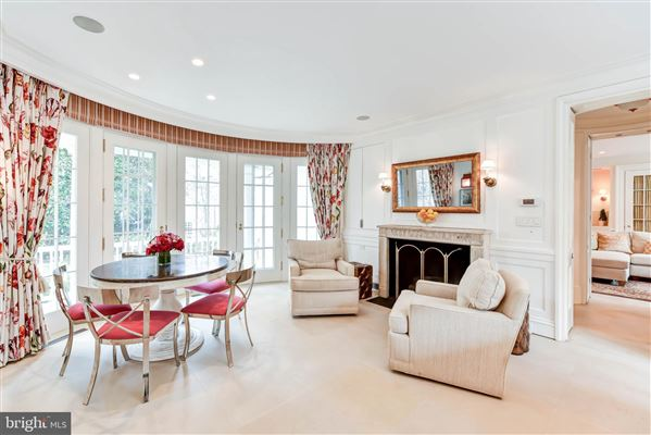 Luxury properties The Sanford Dempsey House