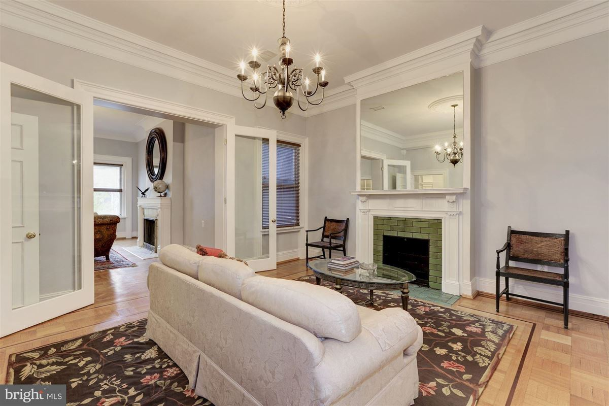 Mansions thoughtfully renovated 1906 home