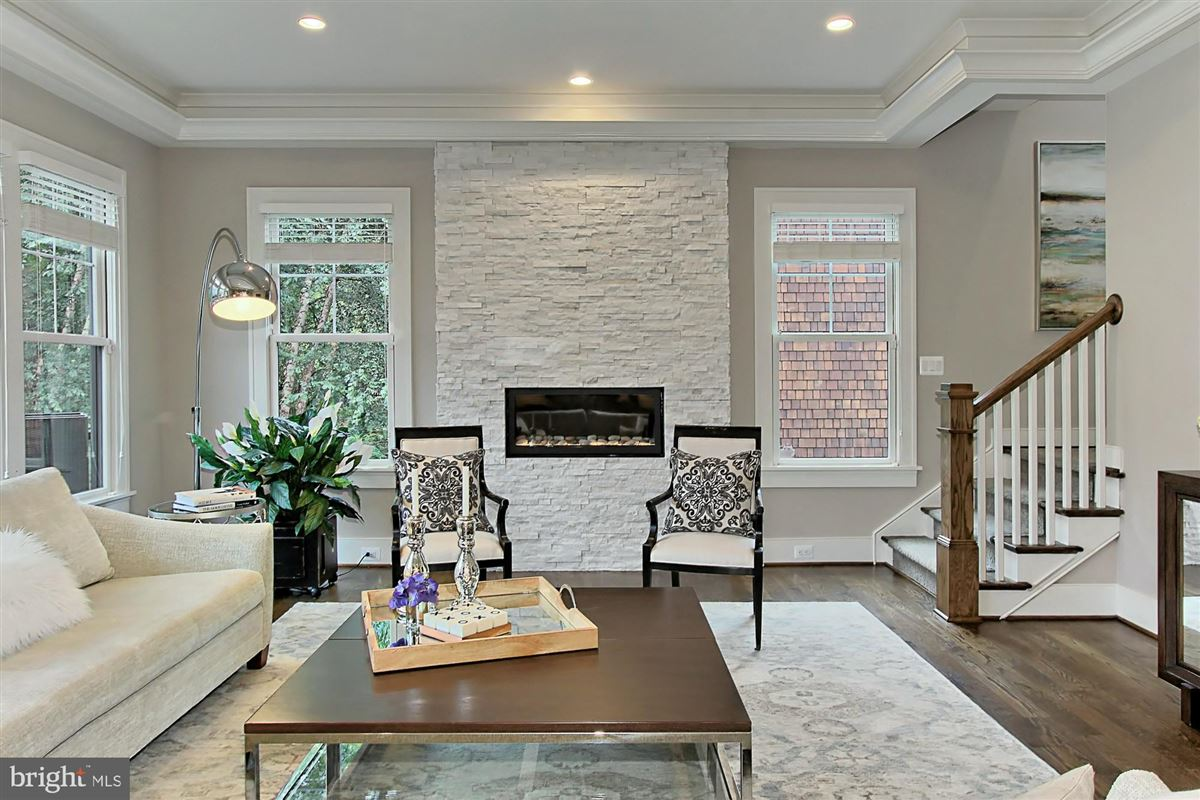 Luxury homes in Architect designed Craftsman home