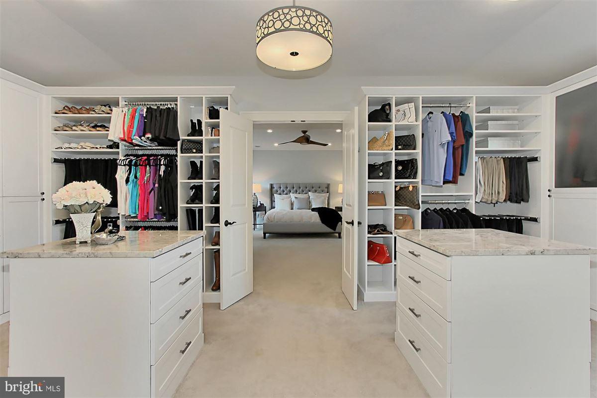 Architect designed Craftsman home luxury properties
