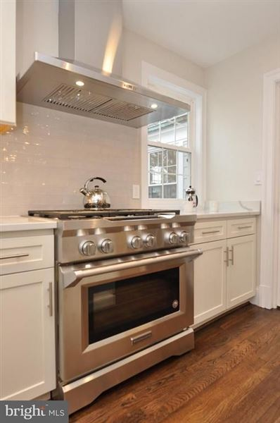 Luxury homes in spacious completely renovated home