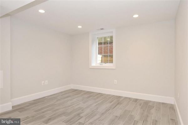 spacious completely renovated home luxury homes
