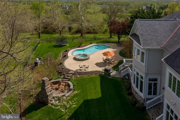 Mansions spectacular property in beautiful Leesburg