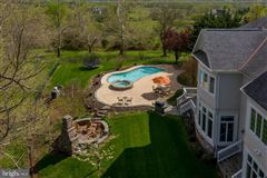 spectacular property in beautiful Leesburg mansions