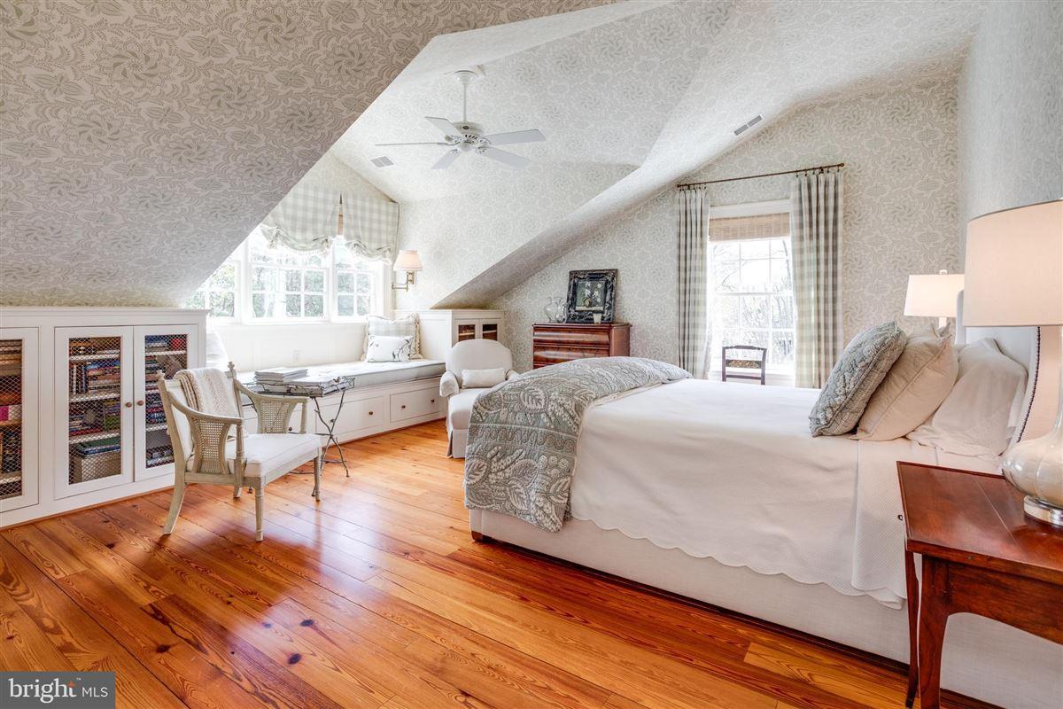 Luxury properties extraordinary Belle Haven estate