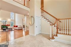 Luxury homes large private property in the historic center of Dunn Loring