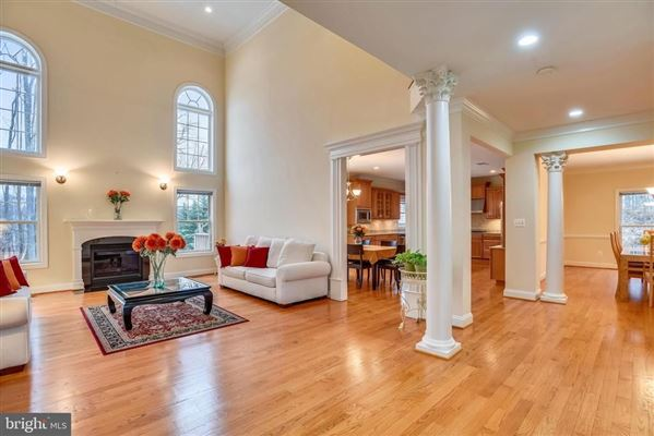 large private property in the historic center of Dunn Loring mansions