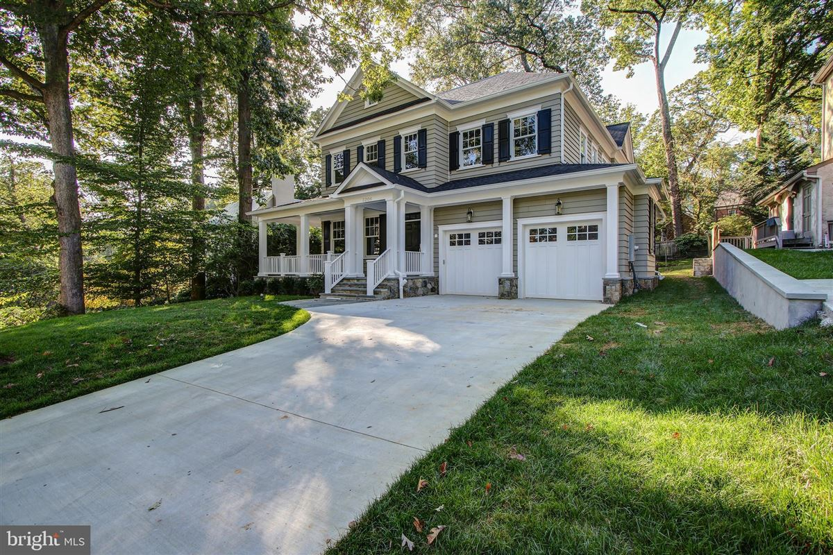 Luxury homes in beautiful new colonial