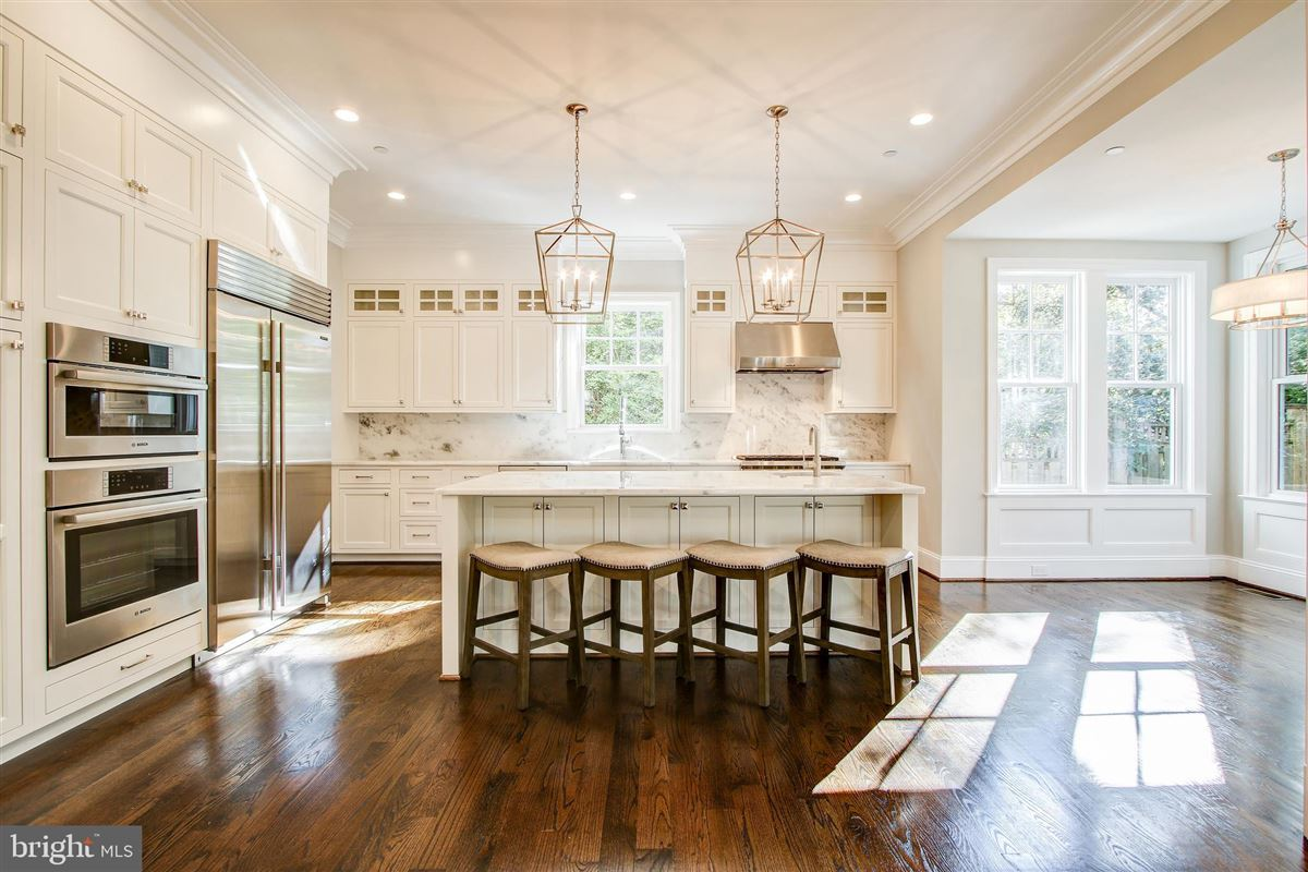 beautiful new colonial luxury homes