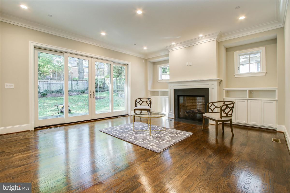 beautiful new colonial luxury real estate