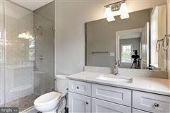 large-scale entertaining plus livability luxury properties