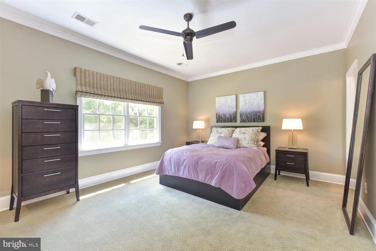 beautiful custom in-town estate luxury homes