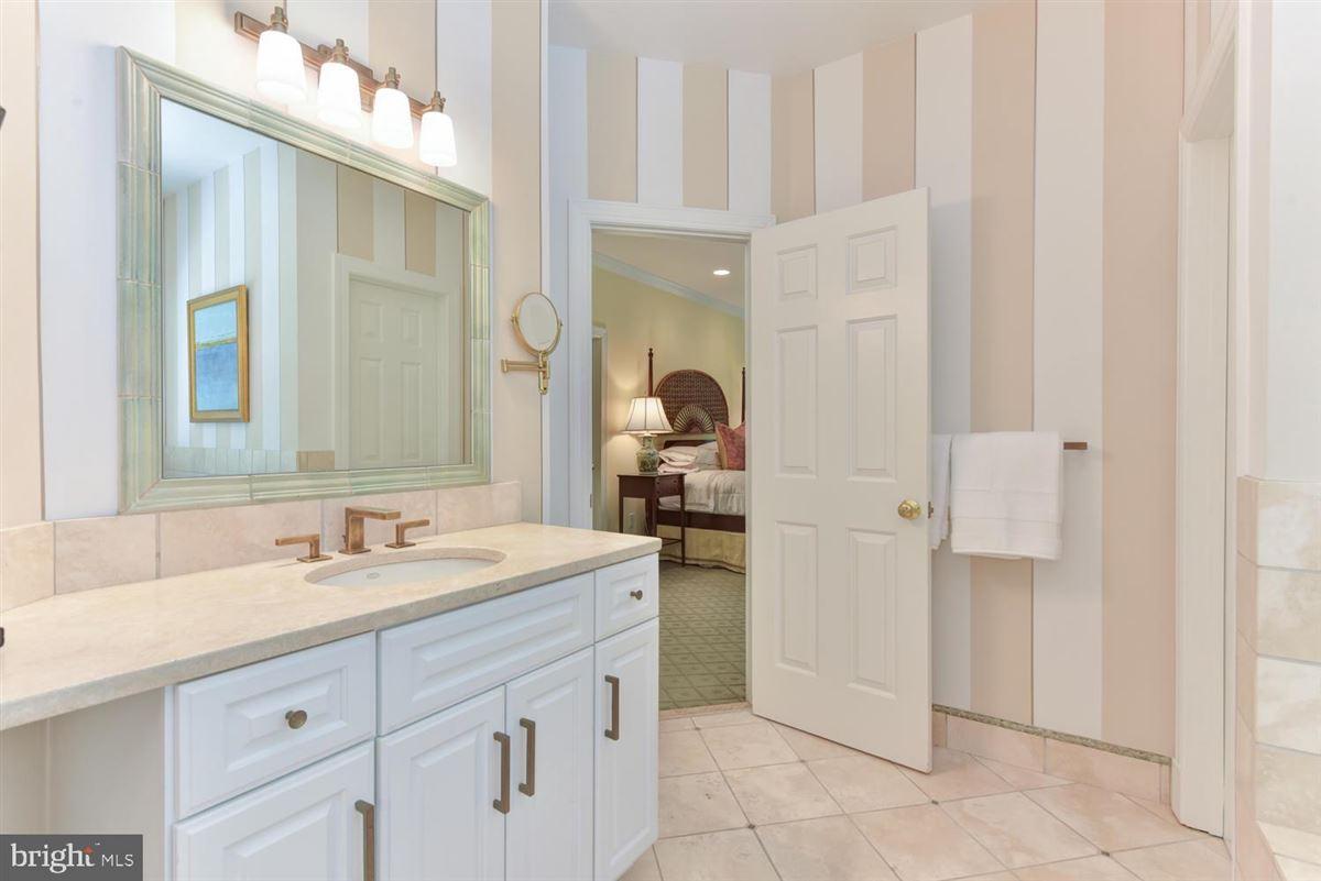 beautiful custom in-town estate luxury properties
