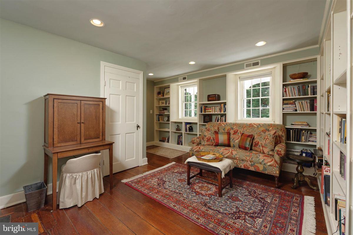 Luxury properties 1750 flounder house