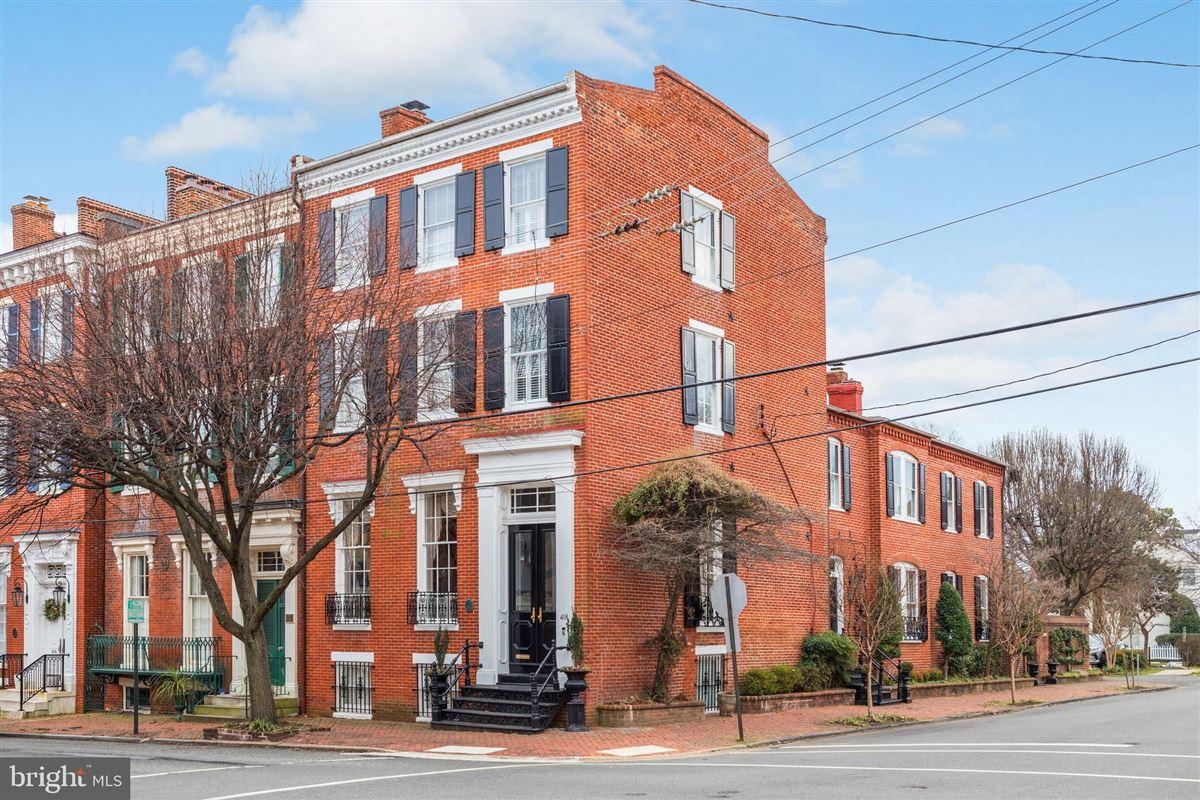 iconic celebrated townhouse luxury homes