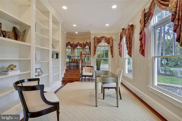 Mansions in charming Victorian on a desirable corner lot
