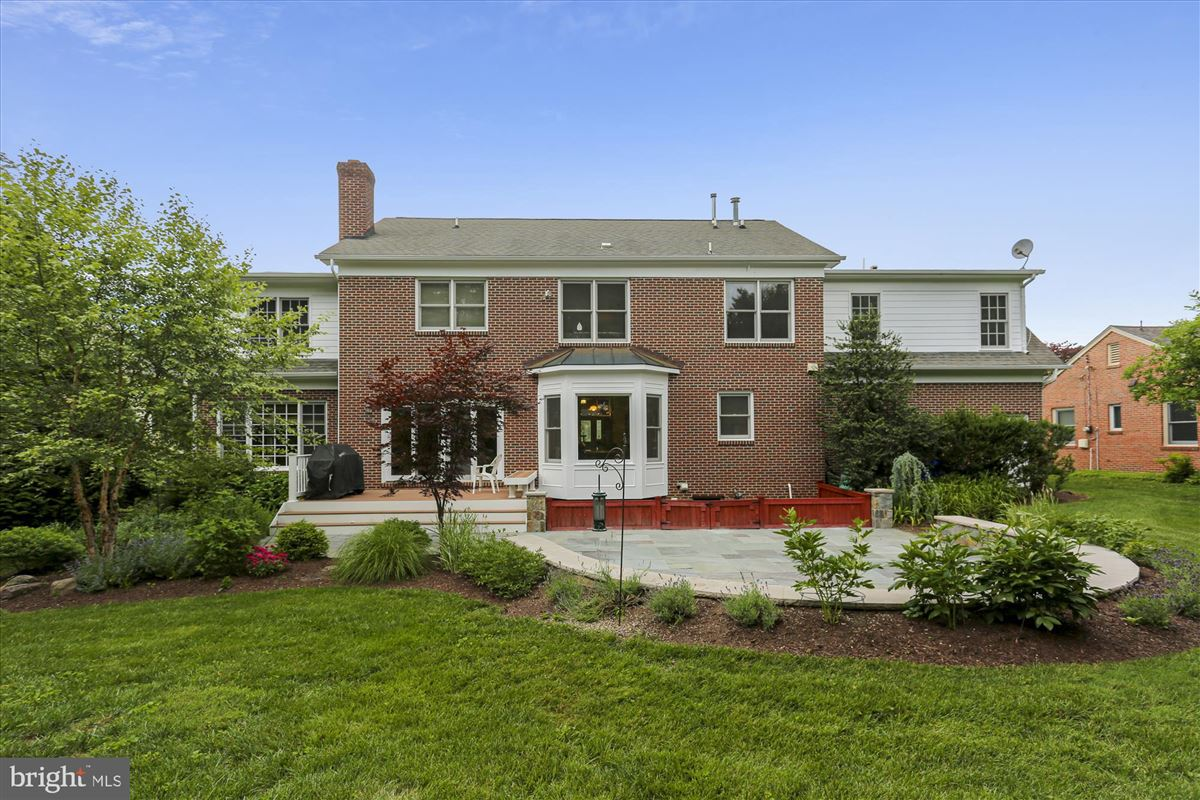 Mansions Welcome to this stunning brick colonial