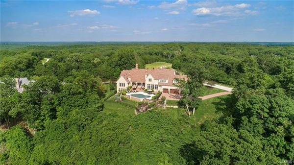 Luxury homes in amazing home with with breathtaking views