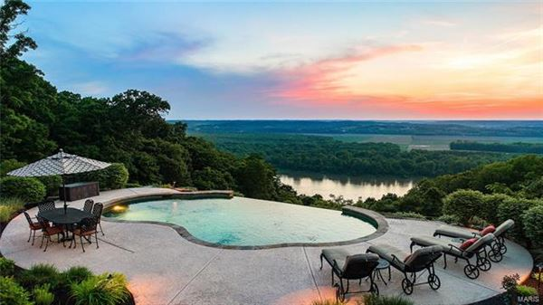 amazing home with with breathtaking views luxury properties