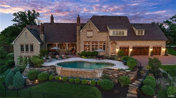 Mansions amazing home with with breathtaking views