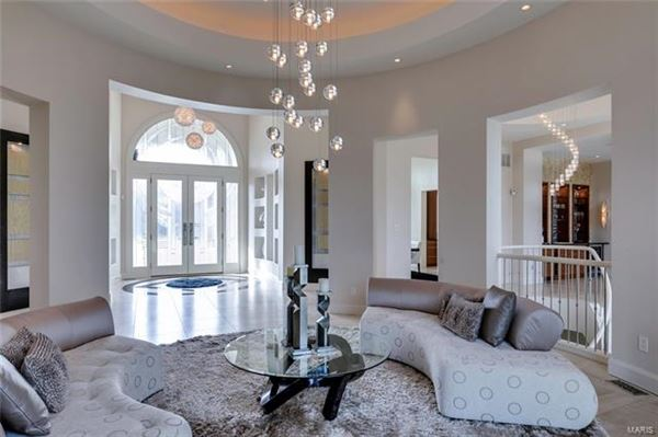 Luxury homes esplendent Huntleigh estate