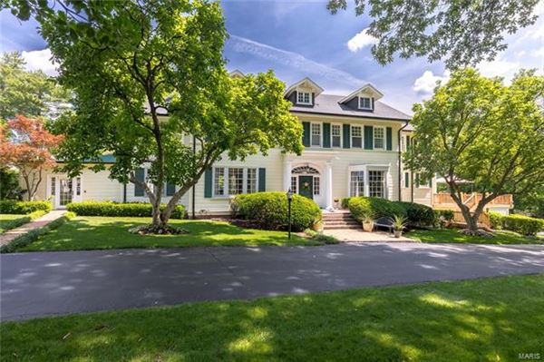 Mansions This home is a true delight