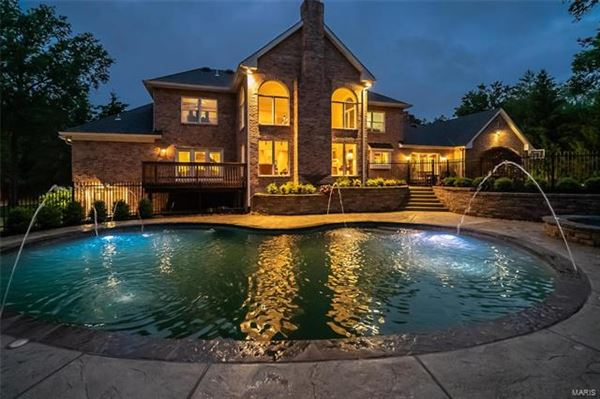 A tranquil retreat luxury homes