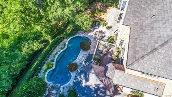 Luxury homes A private oasis