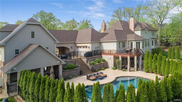 Mansions Welcome to this stunning estate home