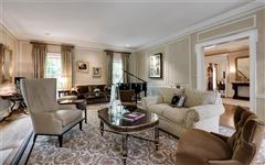 Luxury properties dignified Brentmoor Park property
