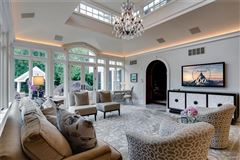 Luxury homes in dignified Brentmoor Park property