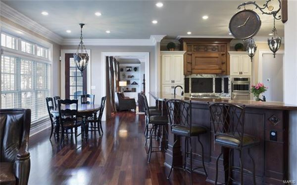 Luxury homes Extraordinary updated residence
