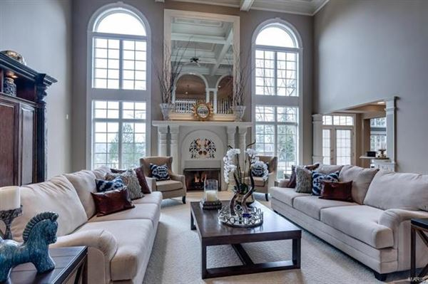 majestic residence on a pastoral acre-plus luxury real estate