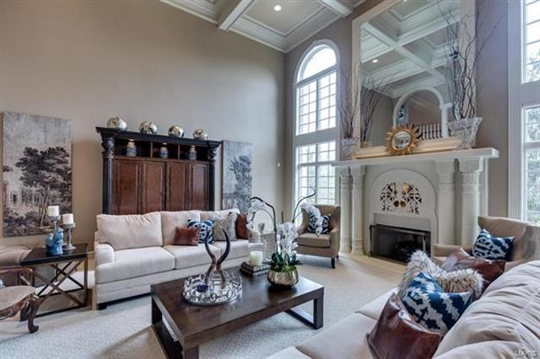 Luxury properties majestic residence on a pastoral acre-plus