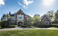 Luxury homes in majestic residence on a pastoral acre-plus