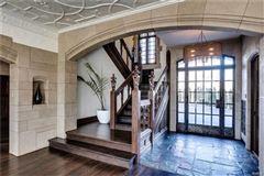 Luxury homes in elegant estate that underwent massive renovation