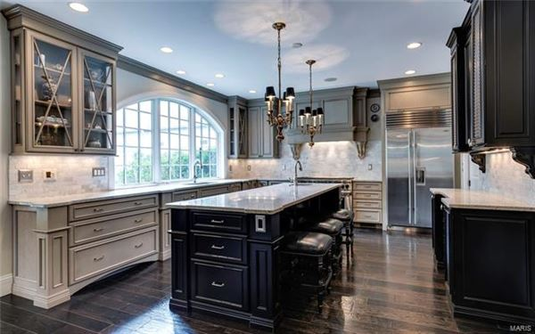 Fabulous home with great details luxury homes