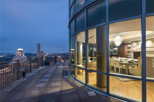 The most impressive Penthouse Condo in Missouri luxury homes