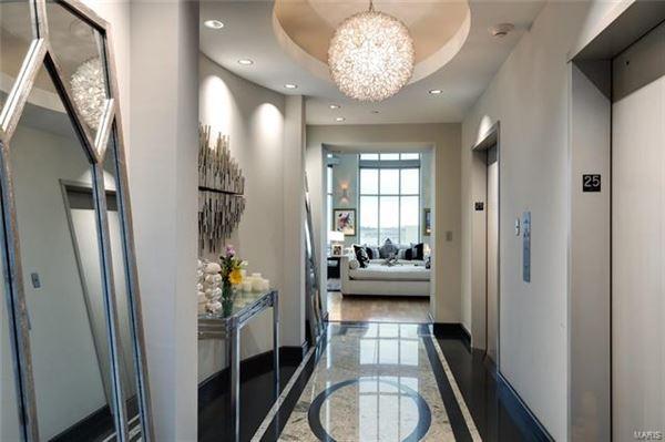 Luxury real estate The most impressive Penthouse Condo in Missouri