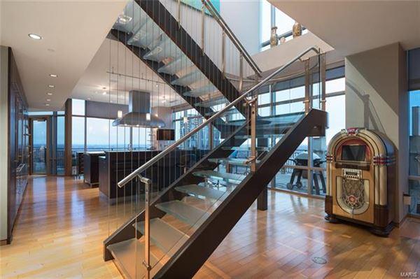Luxury homes The most impressive Penthouse Condo in Missouri