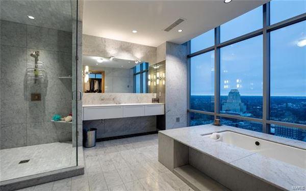 The most impressive Penthouse Condo in Missouri luxury properties