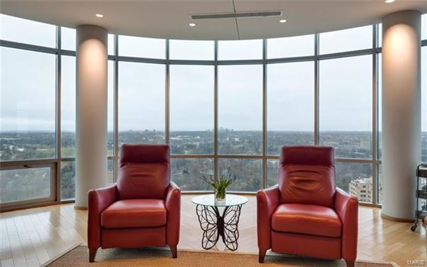 The most impressive Penthouse Condo in Missouri mansions