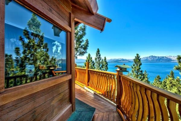 Iconic property at the top of Zephyr Heights luxury properties