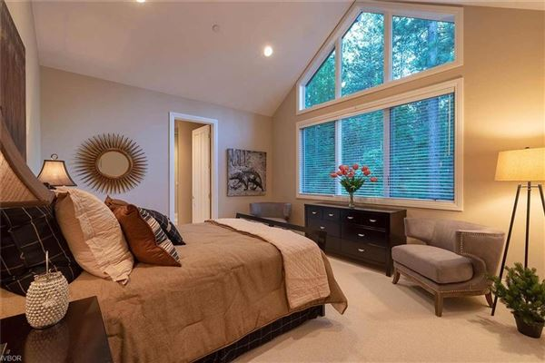 Luxury homes in Privacy and elegance