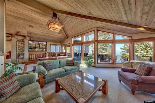Luxury properties A rare lakefront work of art