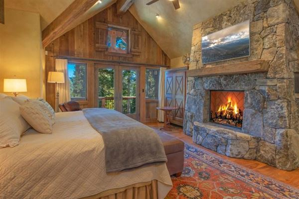 Luxury homes in Exquisite Home in Northstar Tahoe Resort