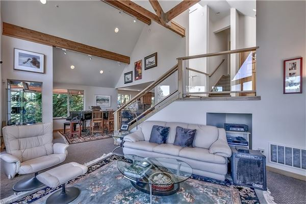 Luxury homes Great Lake View home in crystal bay